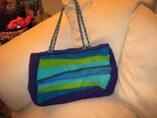 Iknitiatives felted bag