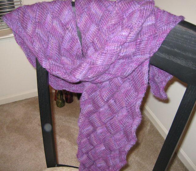 Entrelac scarf purple